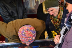 20.000 de oameni participa la slujba de hramul Sfintei Parascheva. Peste 600 de oameni au avut nevoie de medic