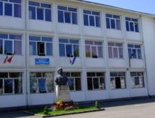 20.10 Directoarea scolii din Buzau unde doua fetite au fost ranite de o stiva de lemne si-a dat demisia