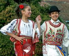 2015 - anul festivalurilor de muzica si dansuri populare
