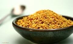 22 de aminoacizi, 12 vitamine, 28 minerale - Alimentul antirid al unei vedete cu tenul impecabil