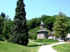 26 de ani de la moartea parintelui Arsenie Boca. Ce manifestari religioase se pregatesc la Manastirea Prislop