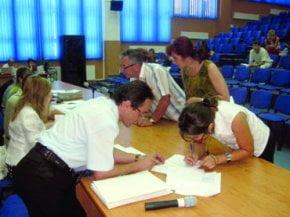 3 din 10 profesori din Capitala sunt suplinitori, pensionari sau necalificati