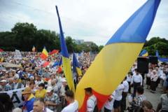 30.000 de persoane au cerut in strada unirea R.Moldova cu Romania (Foto)