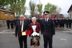 """35 de ani """"sub arme"""": pompierul Dumitru Popa s-a pensionat - O viata dedicata aceleiasi cauze"""