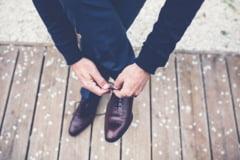 4 tipuri de pantofi potriviti pentru picioarele cu probleme