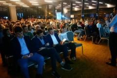 """400 de tineri oradeni vor fi scoliti digital - """"Faceti din Oradea un oras cat mai fain!"""""""