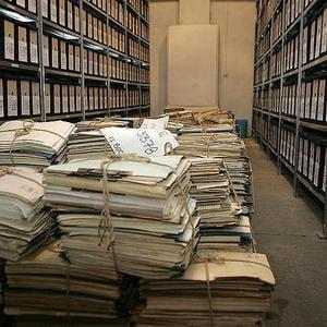 438 topuri de hartie si 115 DVD-uri pentru o copie a dosarului Revolutiei