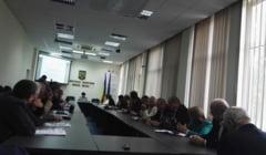44 de scoli din Valcea nu detin autorizatie ISU. Printre ele se numara licee din Ramnicu Valcea si Dragasani