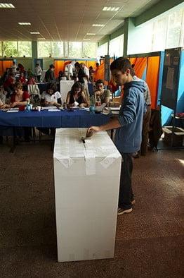 45.000 de politisti vor pazi urnele de vot la locale