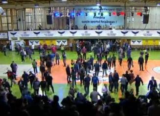 450 de suporteri, dusi la Politie dupa incidentele de la Steaua - Dinamo