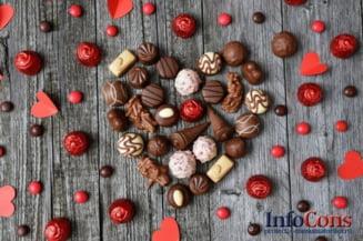 50% din cantitatea unei bomboane pentru pomul de Craciun poate fi formata din zahar!