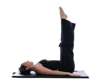 6 exercitii rapide pentru un abdomen plat