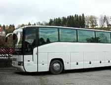 60 de persoane pacalite ca vor ajunge in Sicilia, abandonate in autocar