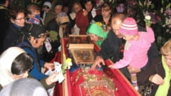 66 de persoane s-au inscris pentru a merge sa se roage la Sf. Parascheva
