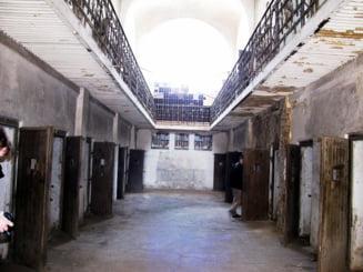 7.000 de lei lunar pentru fiecare copil al unui detinut inchis 10 ani in temnitele comuniste. Compensatii uriase pentru 30.000 de romani