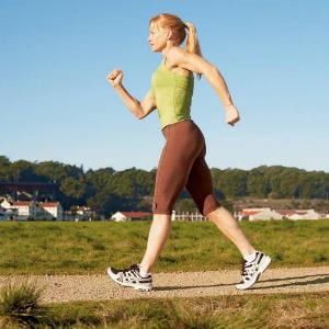 7 motive pentru a te mentine in forma prin mersul pe jos