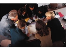 70% dintre romanii cu facultate vor sa-si schimbe domeniul de activitate - sondaj