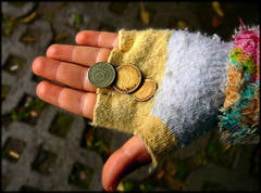 83% din romani cred ca saracia a crescut in ultimul an, in tara lor