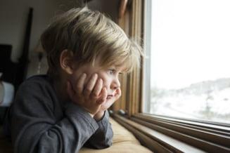95.000 de drame, aceeasi poveste: lacrimile copiilor care au parintii plecati in strainatate