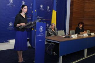 A 11-a generatie de diplomati liceeni Lauder-Reut a absolvit cursul de Diplomatie si Afaceri Internationale in cadrul ceremoniei de la Ministerul Afacerilor Externe