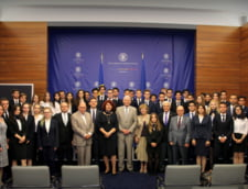 A 12-a generatie de diplomati liceeni Lauder-Reut a absolvit cursul de Diplomatie si Afaceri Internationale in cadrul ceremoniei de la Ministerul Afacerilor Externe