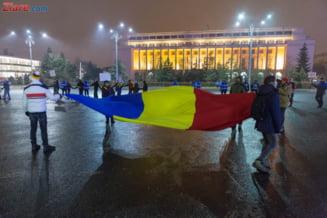A 9-a zi de proteste: Mii de oameni au fost la Guvern. Nu i-au oprit nici viscolul, nici cutremurul, nici pana de curent