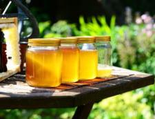 A fost promulgata legea prin care producatorii si comerciantii de miere sunt obligati sa afiseze vizibil pe eticheta tara de origine