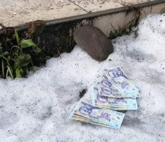 A gasit pe jos 2.000 de lei si i-a predat jandarmului de la paza: Ce s-a intamplat cu banii (Foto)