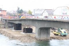 A inceput demolarea podului marcat cu un simbol comunist - I-a apus steaua!