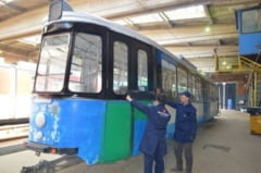 A inceput vopsirea in verde a primului tramvai