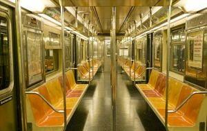 A injunghiat un pasager, in metrou, pentru ca nu a vrut sa elibereze un scaun