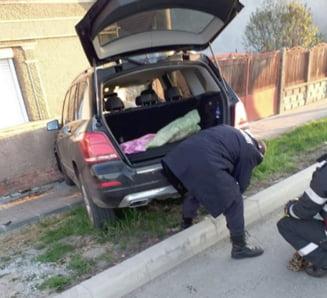 A intrat cu masina intr-o casa la Carei si a produs o avarie unei conducte de gaz