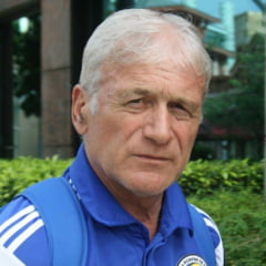 A jucat pentru Romania la Mondial, a fost idolul lui Hagi si acum livreaza mancare in SUA ca sa traiasca
