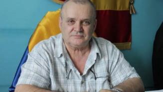 A murit Constantin Radu, primarul comunei Amzacea