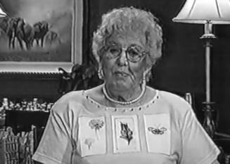 A murit cantareata Bonnie Lou
