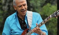 A murit cantaretul Jorge Santana, fratele lui Carlos Santana