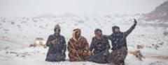 A nins in desertul Arabiei Saudite, iar localnicii au iesit la sanius (Video)