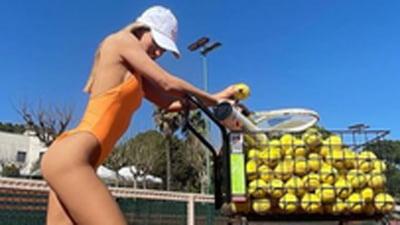 A provocat Instagramul cu o noua poza nud! Cine e top-modelul spaniol care produce echipament sportiv FOTO