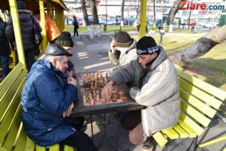 A scazut numarul de pensionari, dar a crescut pensia minima cu 12%