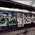 A vandalizat trei locomotive pentru ca nu putea sa doarma de zgomotul lor