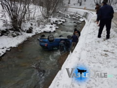 ACCIDENT PE DN 18 - O femeie a pierdut controlul volanului si a plonjat cu masina in raul Mara