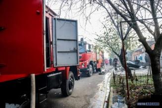 ACUM. INCENDIU de proportii in municipiul Giurgiu. Mai multe case in flacari! (FOTO)