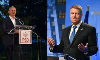 """AFP: Scena politica din Romania, dominata de confruntarea dintre """"papusarul"""" Liviu Dragnea si """"pompierul"""" Klaus Iohannis"""