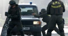 """ALERTA la Targu Mures: un rucsac suspect, aruncat in curtea unei case din Targu Mures. Echipa antiterorista a SRI a verificat """"coletul"""""""