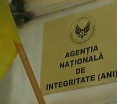 ANI: Magistrat declarat incompatibil - Dorina Danielescu este si cadru militar