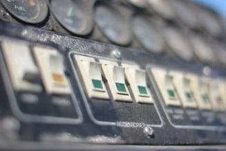 ANRE ar putea reduce tarifele de distributie a energiei dupa ce primeste decizia Consiliului Concurentei