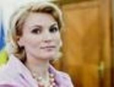 AVEM Andreea Paul, gafa de proportii la un miting pentru sustinerea lui Iohannis: Votati cu Victor Ponta!