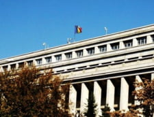Aberatia zilei: Guvernul promoveaza un curs de limba romana pentru straini in ... limba romana. Mai e si plin de greseli