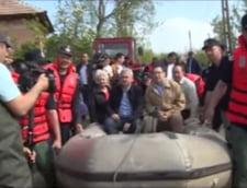 Aberatia zilei: Invataturile lui Ponta catre tehnocrati - nu-ti pasa de sinistrati daca nu te-ai dus la ei cu barca impinsa de pompieri