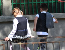 Aberatia zilei: Mandri ca renovam veceuri in scoli